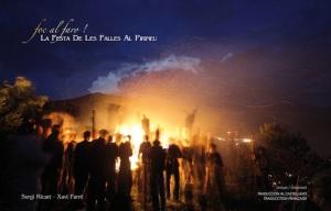 """""""Foc al faro. La festa de les falles al Pirineu"""" de Sergi Ricart i Xavi Farré."""